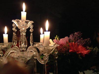 https://www.chateaudubesset.com/chateau-hotel-ardeche/uploads/sejour-romantique-amoureux-chateau-ardeche-400x300.jpg